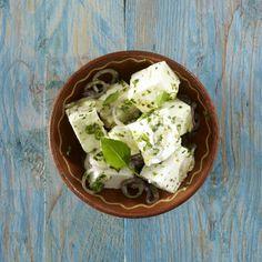 Unser beliebtes Rezept für Eingelegter Schafskäse mit Kräutern (queso de cabra aliado) und mehr als 55.000 weitere kostenlose Rezepte auf LECKER.de.