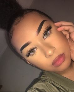 34 ideas make-up Baddie sees eyebrows – … – About Face Makeup Eye Makeup Glitter, Prom Makeup, Cute Makeup, Girls Makeup, Full Face Makeup, Eyebrow Makeup, Skin Makeup, Makeup Eyebrows, Eyebrow Tinting
