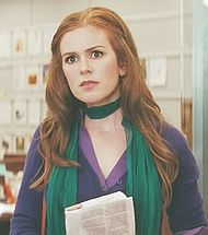 isla fisher/the girl in the green scarf/confessions of a shopaholic Girly Stuff, Girly Things, Confessions Of A Shopaholic, Isla Fisher, Movie List, Boho Fashion, Hair Makeup, Cinema, Tv