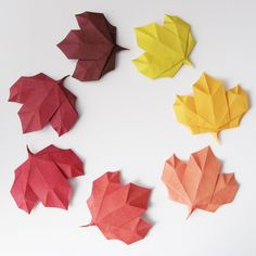 How to Fold A Simple origami Flower 12 Steps wit Rose Leaf . How to Fold A Simple origami Flower 12 Steps with Origami Rose, Instruções Origami, Origami Leaves, Easy Origami Flower, Origami And Kirigami, Origami Ball, Origami Paper Art, Origami Folding, Origami Stars