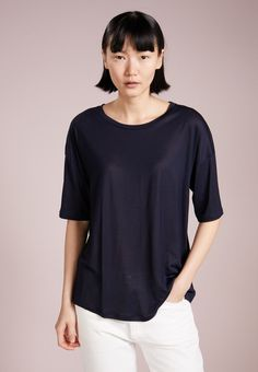 767dfa2c34 Filippa K ELBOW SLEEVE SWING - T-Shirt basic - navy - Zalando.de