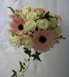 Beautiful Bridal: Gerbera Daisy Wedding Bouquets