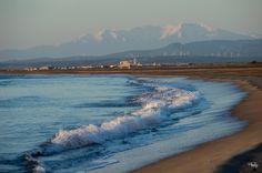 Le Canigou enneigé depuis la plage des Ayguades à Gruissan par Philip Aude Languedoc Occitanie Pyrénées Sud France