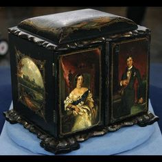 antique sewing box /Source: Everything Victorian.