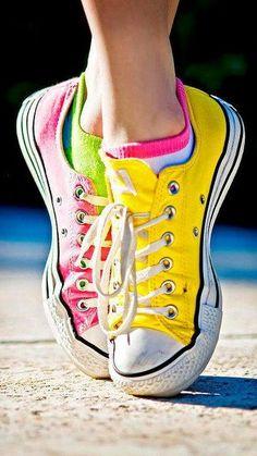 #Color de tenis casual