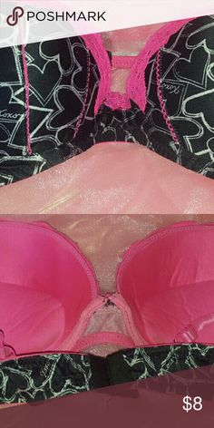 XOXO Pre Loved Super Extremely Padded Bra! Straps curl but straighten out once on! That would be a about the only flaw! XOXO Intimates & Sleepwear Bras