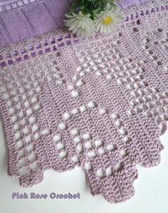 \ PINK ROSE CROCHET /: Barra Rosa Lilás em Crochê Filê para Toalha de Lavabo