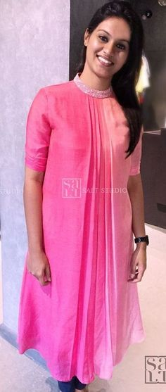 Different types of kurtha - Simple Craft Ideas Salwar Designs, Sari Blouse Designs, Kurti Designs Party Wear, Salwar Suit Neck Designs, Sleeves Designs For Dresses, Dress Neck Designs, Stylish Dress Designs, Churidhar Neck Designs, Indian Fashion Dresses