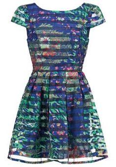 Molly Bracken Vestido Informal Green Los Vestidos De Mujer Más Los vestidos de mujer más chic te están esperando para que resaltes el dorado bronceado de tu piel o para que acudas a una cita con la luz de la luna de fondo.