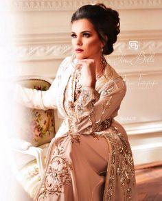 Asian Model Girl, Caftans, Glamour, Formal Dresses, Photography, Fashion, Caftan Marocain, Traditional, Womens Fashion