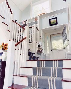 Love the nautical touch to this staircase + great stair runner Coastal Living Rooms, Coastal Homes, Coastal Decor, Coastal Style, Seaside Style, Deco Marine, Style Deco, Nautical Home, Nautical Entryway