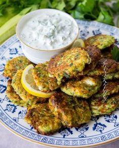 Kolokithokeftedes- Greek zucchini steaks with feta cheese - ZEINAS KITCHEN - Zeinas veggo - Raw Food Greek Recipes, Raw Food Recipes, Veggie Recipes, Vegetarian Cooking, Vegetarian Recipes, Zeina, Mindful Eating, Steaks, Easy Healthy Recipes