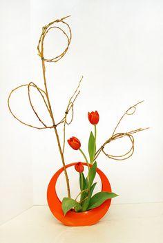 My Ikebana Freestyle, curved lines Ikebana Flower Arrangement, Ikebana Arrangements, Floral Arrangements, Flower Show, Flower Art, Cactus Flower, Bonsai, Art Floral Japonais, Ikebana Sogetsu