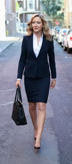 Womens Power Suit Business Work Wear Ideas - business professional outfits for interview Business Professional Outfits, Professional Dresses, Business Dresses, Business Outfits, Business Attire, Business Casual, Business Style, Business Formal Women, Business Suits For Women