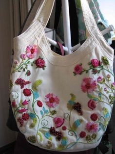 Love the amount of coverage and the way the embroidery is laid out.This Pin was discovered by Car Embroidery Bags, Hand Embroidery Stitches, Hand Embroidery Designs, Embroidery Patterns, Boho Bags, Denim Bag, Fabric Bags, Handmade Bags, Purses And Bags
