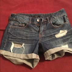 Forever 21 Jean shorts Size 26 . In great condition! Forever 21 Shorts Jean Shorts