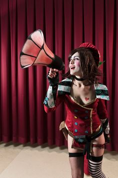 Mad Moxxi Cosplay http://geekxgirls.com/article.php?ID=5770