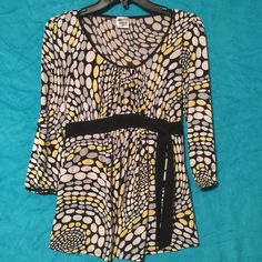 Motherhood maternity black yellow white Shirt top Motherhood maternity top. There is a name wrote on tag goes not effect the top at all  very comfortable stretchy Motherhood Maternity Tops Blouses