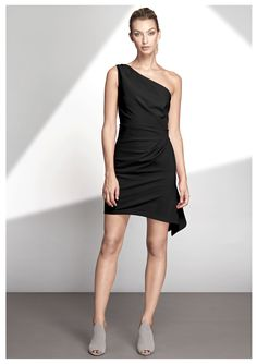 Little Black Dress Outfit, Black Dress Outfits, Dress Black, Evening Outfits, Evening Gowns, Event Dresses, Day Dresses, Party Frocks, London College Of Fashion