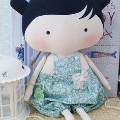 Toy de macacão. 30cm 140.00 + frete #toy #tilda #bonecas #dolls #doll #bonecadepano #ilovetilda #tildatoybox #sweetheartdoll #quartodebebe #maternidade #mamaes #mamãeebebê #tilda #bonecas #dolls #doll #bonecadepano #ilovetilda #tildatoybox #sweetheartdoll #quartodebebe #futuramamae