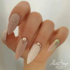 "👸🏼XmakeuptutsX👸🏼 on Instagram: ""1,2,3,4,5,6,7,8 or 9? 😍 @alinahoyonailartist #xmakeuptutsx #nails #nailporn #naildesigns #coffinnails"""