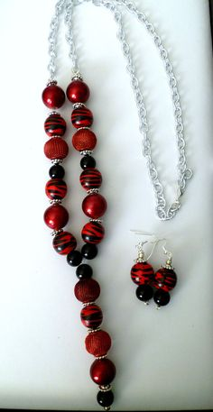Red and black beaded Y necklace and earring set with silver plate curb chain, by TheBeckoningCat on Etsy