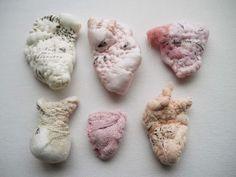 Lyndie Dourthe Art Fibres Textiles, Textile Fiber Art, Textile Artists, Sculpture Textile, Soft Sculpture, Puppet Costume, Art Graphique, Human Condition, Fabric Manipulation