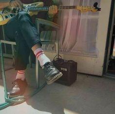 47 Ideas For Music Aesthetic Pop 47 Ideen für musikästhetischen Pop Music Aesthetic, Aesthetic Vintage, Aesthetic Photo, Pop Music Playlist, Behind Blue Eyes, Music Illustration, Music Wallpaper, Foto Art, Paramore
