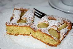 Gudrun's daily kitchen - ein österreichischer Foodblog: Weinbergpfirsich-Kuchen Homemade Desserts, Homemade Food, Peach Cake, Gudrun, French Toast, Breakfast, Recipes, Kuchen, Simple