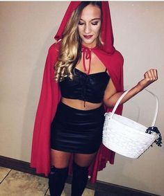 21 Easy and Sexy Halloween Costumes for Your Inspiration; Halloween costumes for teens; Halloween costumes for girls; Halloween costumes for women. Halloween Costumes For Teens, Couple Halloween, Women Halloween, Diy Halloween, College Costumes, Vintage Halloween, Group Halloween, Halloween Photos, Halloween Outfits For Women