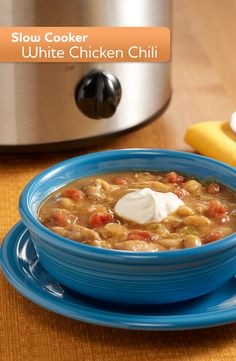 Try this easy Slow Cooker White Chicken Chili recipe tonight! Healthy Recipes, Chili Recipes, Crockpot Recipes, Soup Recipes, Dinner Recipes, Cooking Recipes, Recipies, Delicious Recipes, Tasty