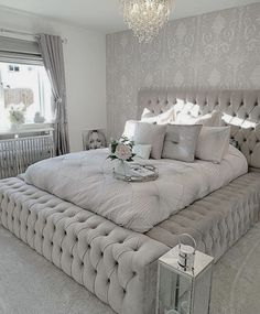 64 modern and simple bedroom design ideas 7 - Home ideas - Bedroom Decor Home Bedroom, Bedroom Decor, Bedroom Candles, Beds Master Bedroom, Bedroom Small, Small Rooms, Lux Bedroom, 1980s Bedroom, Narrow Bedroom