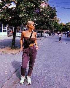 9 tips to enhance the casual look Guita Moda Chunky Sneakers Outfit casual enhance Guita moda Tips Chill Outfits, Mode Outfits, Trendy Outfits, Fashion Outfits, Womens Fashion, Classy Outfits, Girl Fashion, Looks Style, Casual Looks