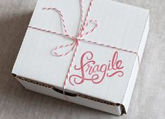 pretty packaging Find out how to mail even the biggest, bulkiest packages and build your own custom boxes with shipping wizardry from seasoned vintage sellers. Etsy Business, Craft Business, Online Business, Business Tips, Old Boxes, Pretty Packaging, Shipping Boxes, Etsy Shipping, Online Shipping