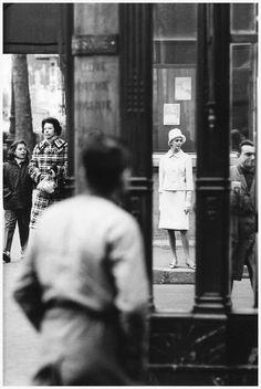 Ina Balke, photo by Jeanloup Sieff, Le Jardin des Modes, Paris, 1960