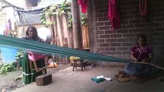 Mujeres tejedoras de Turicuaro Michoacan, una comunidad purhepecha.