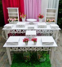 conjunto de mesas provençais rendada R$ 750,00 pés removiveis