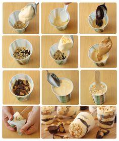 Sobremesa de sorvete rápida !! 2 potes de sorvete sabores diferentes, Paçoca, doce de leite e alguns bombons (sonho de valsa ou serenata). 2 horas no freezer faça o doce de leite com a lata de leite condensado na pressão em pasta, uma receita de brigadeiro, farofa de biscoitos com paçoca. Use copos descartáveis para montar e coloque no meio os palitos de picolé. Amasse bem pra ficar firme. Freezer!