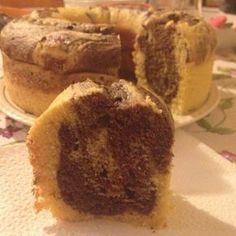 Ricetta torta all'acqua senza uova - senza uova, senza latte e senza burro: ecco la versione vegan della torta all'acqua, semplice, naturale, bella e buona.