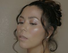 Dewy natural skin, glossy lids with highlight. Glossy Lids, Natural Skin, Highlight, Nature, Lights, Highlights, Naturaleza, Hair Highlights, Off Grid