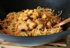 Eredeti kínai tészta Bologna, Wok, Meals, Dinner, Cooking, Ethnic Recipes, Cook Books, Drink, Dining