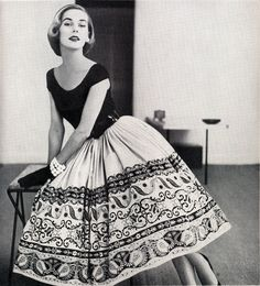 1950s-I love the detail on the skirt, minus the petticoat and I would wear it today
