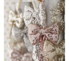 glittery bow ornaments....adore!