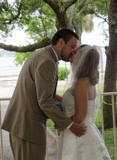 wedding ceremony in the #gazebo in Charleston Battery Park