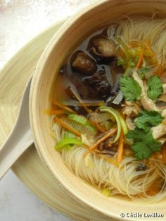 Recette bio: Bouillon asiatique au poulet bio