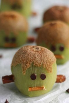 Frankenstein Kiwis: Kids and adults alike will love this healthy Halloween treat. Click through to find more easy party appetizers for Halloween.