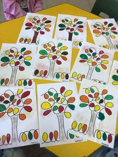 Line art for kids Super Ideas kids room ideas room ideas organizing room ideas art kids room kids room ideas room ideas unisex Animal Art Projects, Fall Art Projects, Arte Elemental, Easy Art For Kids, Autumn Art Ideas For Kids, Kindergarten Art Lessons, 2nd Grade Art, Ecole Art, Kids Room Art