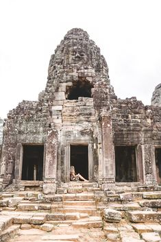 Are you planning a visit to the largest religious monument in the world? Here's the best way to explore Angkor Wat in three days! Cambodia Itinerary, Cambodia Beaches, Cambodia Travel, Laos Vietnam, Vietnam Travel, History Of Buddhism, Jungle Temple, Ancient Greek Architecture, Gothic Architecture