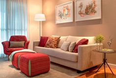 O modelo de sofá ideal para salas pequenas - Casinha Arrumada Living Roon, Living Room Modern, Home Living Room, Living Room Designs, Living Room Decor, Apartment Living, Room Paint Colors, Paint Colors For Living Room, Decoration