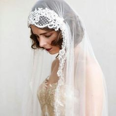 Ethereal beauty from /agnes_hart/ What a beautiful  soft veil with  the  most wonderful  lace trim #Repost /agnes_hart/ ・・・ Image from my 'Golden Days' collection photoshoot. My most dramatic #julietcapveil.    Wonderful dreamy veil inspiration. Makeupartist and hairstylist for fineart and destinationbrides http://www.patriciasoper.com
